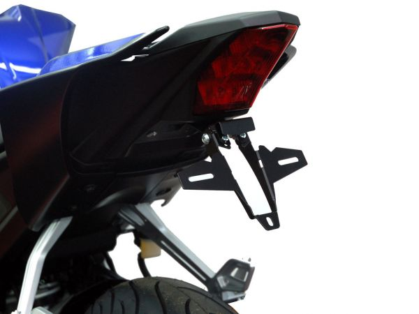 Porta matrícula IQ1 para la Yamaha R125 (2019-2021)