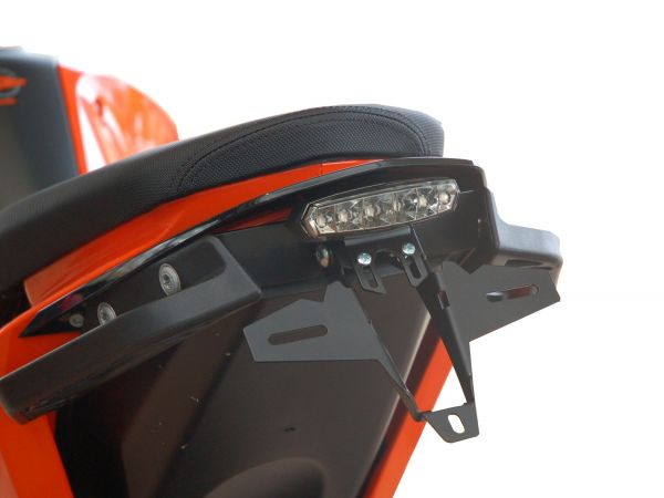 Porta matrícula IQ1 para el KTM 690 DUKE (2012-2019) con luz trasera